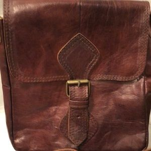Vintage look leather crossbody bag